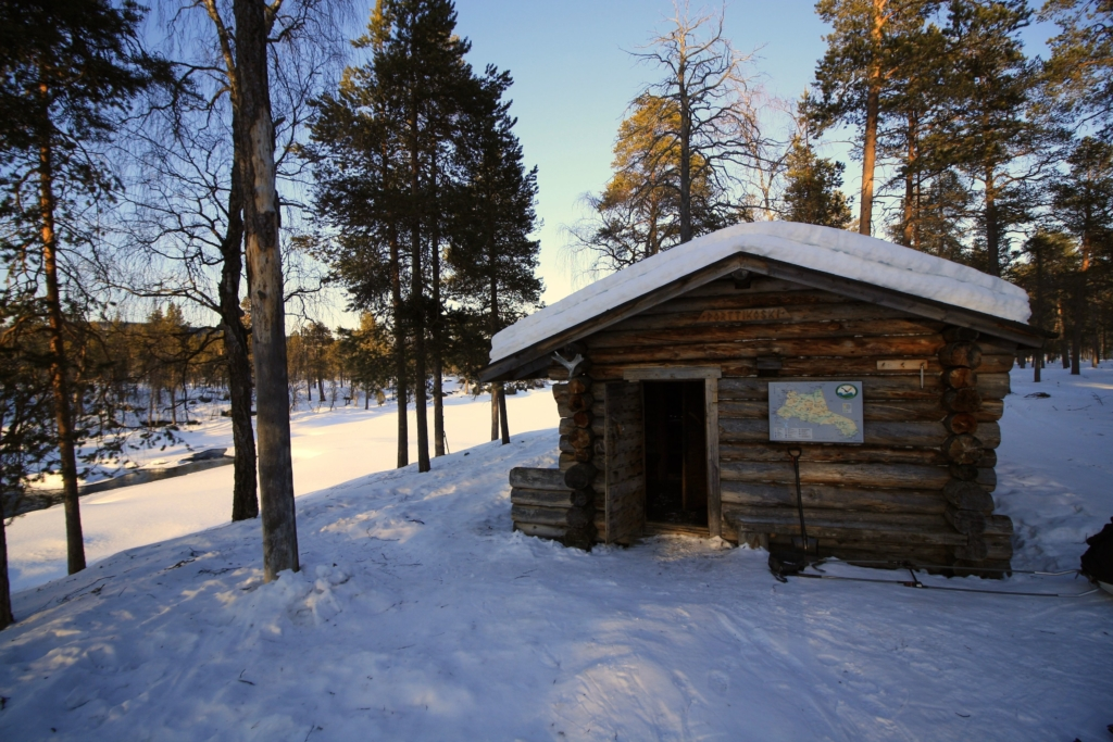 Urho Kekkonen national park winter Sarvioja wood cabbin