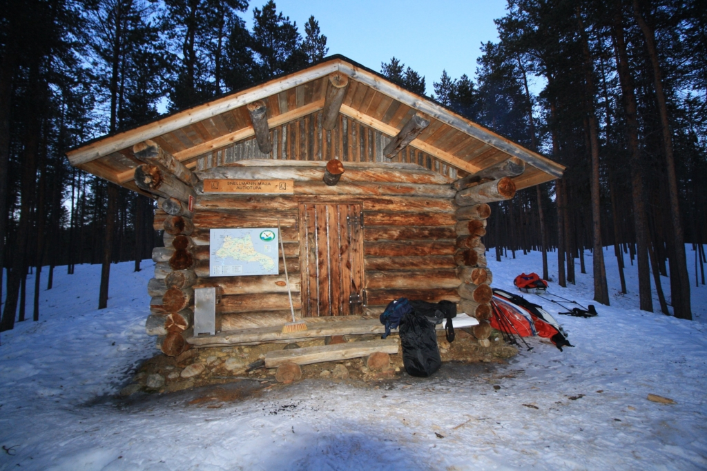 Urho Kekkonen national park winter Snellmaninmaja cabin